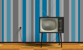 tv-2213140_960_720